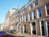 Middelburg, EL kerk zijgevel en 3 Zwaanpanden, 2007.jpg