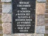 Wierum, tekst monument bij NH kerk [004], 2008