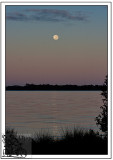 Full-Moon-and-Sunrise-Together.
