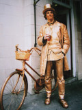The  bronze  man  and  pushbike