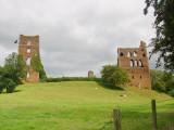Sheriff  Hutton  castle  ruins. /  3