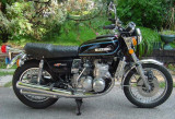 Suzuki  GT-750 cc  water  cooled  2  stroke  triple .in  UK  known  as  The Flying kettle