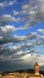 nubes dándose la mano
