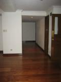 Hallway 051.jpg