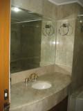 Bathroom 061.jpg
