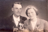 the wedding photo of her father and her mother (Anna Procházková)