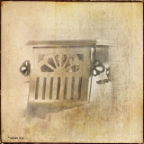 April 22 : metal and paint (vintage toaster)