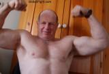 muscle bear daddy posing.jpg