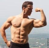 sixpack abs abdominals muscleman flexing.jpg
