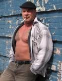 muscle bound wrestling hulkster seek fight buddies.jpg