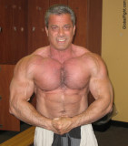 massively well built hunky sexy bodybuilders photos.jpg