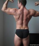 big huge biceps musclemans free gay photos gallery pics.jpg