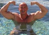 hot muscleman bodybuilder powerlifter swimming pool wet pics.jpg