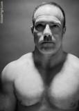 super hot studly musclehunk posing studio pics.jpg