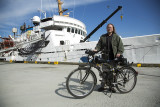 Motorized bicycle goes on the ship, makes life in port easier