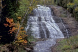 ULTIMzxPB_T0534_TOP_Autumn_and_waterfall_Chutes_Fraser_Charlevoix.jpg