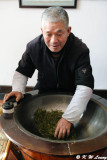 Pan-firing West-lake Longjing tea DSC_2796