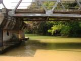 Jembatan di muara sungai Pulau Manuk