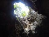 lubang diatap gua
