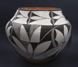 Acoma B&W Olla (potter unknown)