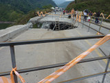 The damaged bridge nr Chestnut-capped Piha Reserve / RNA Arrierito Antioqueno