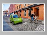 In two wheels / En dos ruedas