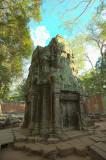 120103 Angkor 186-188.jpg