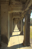 120103 Angkor 326-328.jpg