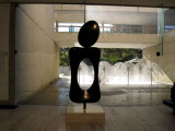 Monument cast 1970 by Joan Miro.jpg