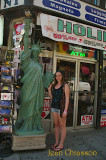 Liberty Statue & Véro