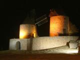 Régusse Windmills by night.JPG