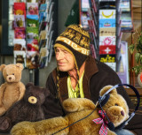 Pseudo-Peruvian vendor of second-hand teddy-bears…