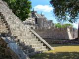 temple des guerriers, vu de coté