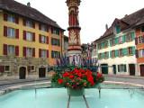 La fontaine du bout de la place