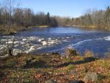 la rivière après l'automne