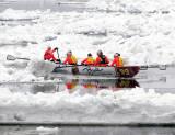 Brynd à rame entre les glaces