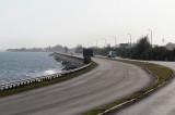 L'autopista au bord de la lagune