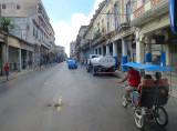taxi vélo sur la rue des fabriques de tabac