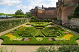 Jardin à la française dans la cours du Palais