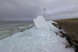15 february 2012 - Kruiend ijs - IJsselmeerdijk Flevoland