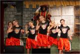 Sint en Piet dansen de Macarena