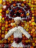 Un Danzante con flor immortal