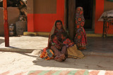 Kutch woman and children.jpg
