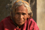 Patan old woman in pol 02.jpg