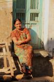Patan woman 03.jpg