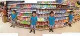 Rahil in Bangkok Grocery Store (11 Dec 2011)