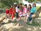Kindergarten classmates at Nehru Park picnic
