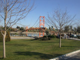 Adana Park has footbridges acros the Seyhan River that resemble the Golden Gate Bridge.