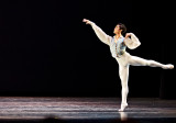 Chun Wai Chan arabesque