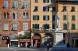 On Piazza San Michele3875